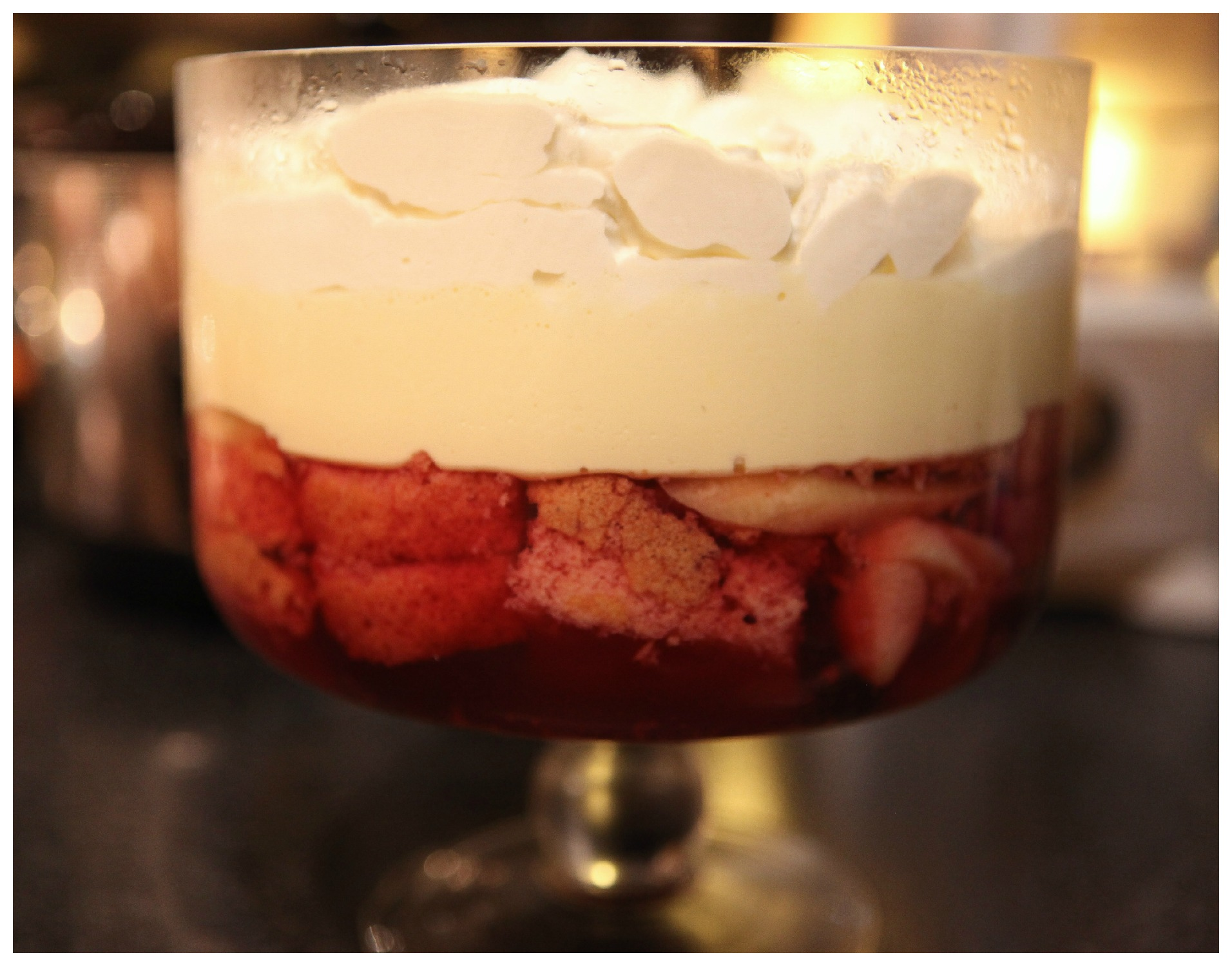 Jelly sponge trifle